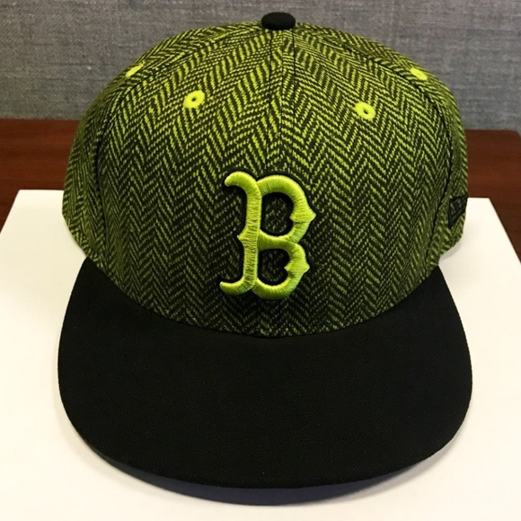 647ed3461 NWOT Boston Red Sox Neon Green Fitted Printed Hat